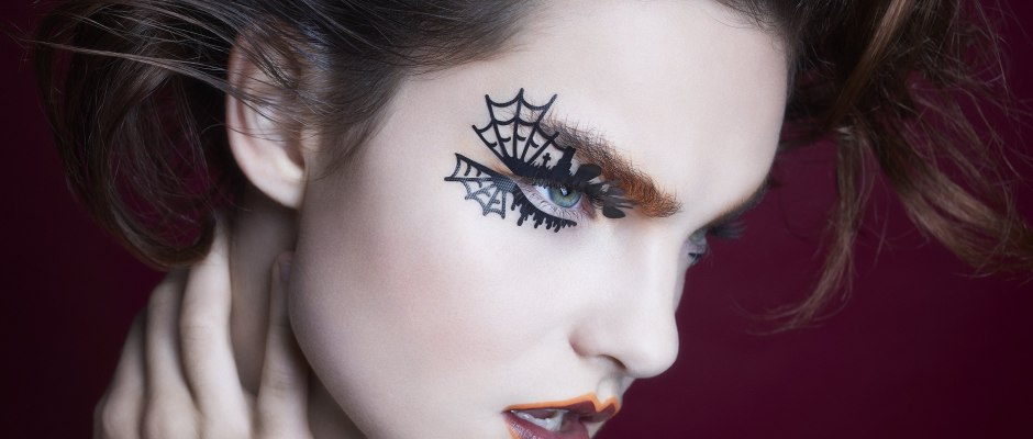 Chic Halloween: Get Party-Ready in Minutes - Love it or hate it, Halloween is here to haunt us every year and if you're lucky to get invited to one of the countless Halloween fashion parties across town, you have to bring your spooky game...