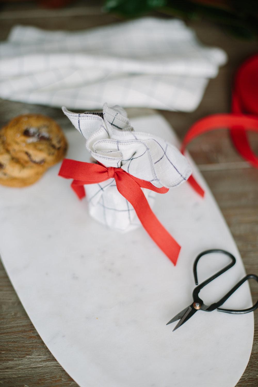 cookie-idea-wrap-cloth-napkin-chocolate-chip-sea-salt