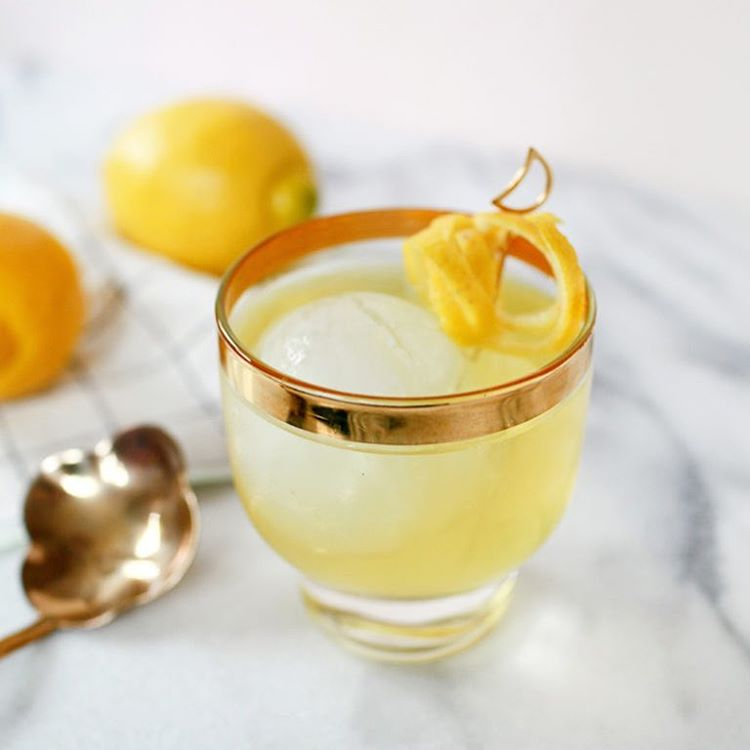 BENJAMIN FRANKLIN'S CLARIFIED MILK PUNCH @beautifulpaper & @Liquorary