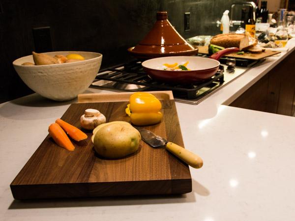 luxury-walnut-culinary-chopping-board-detachable-tray-maker-gents-8.jpg