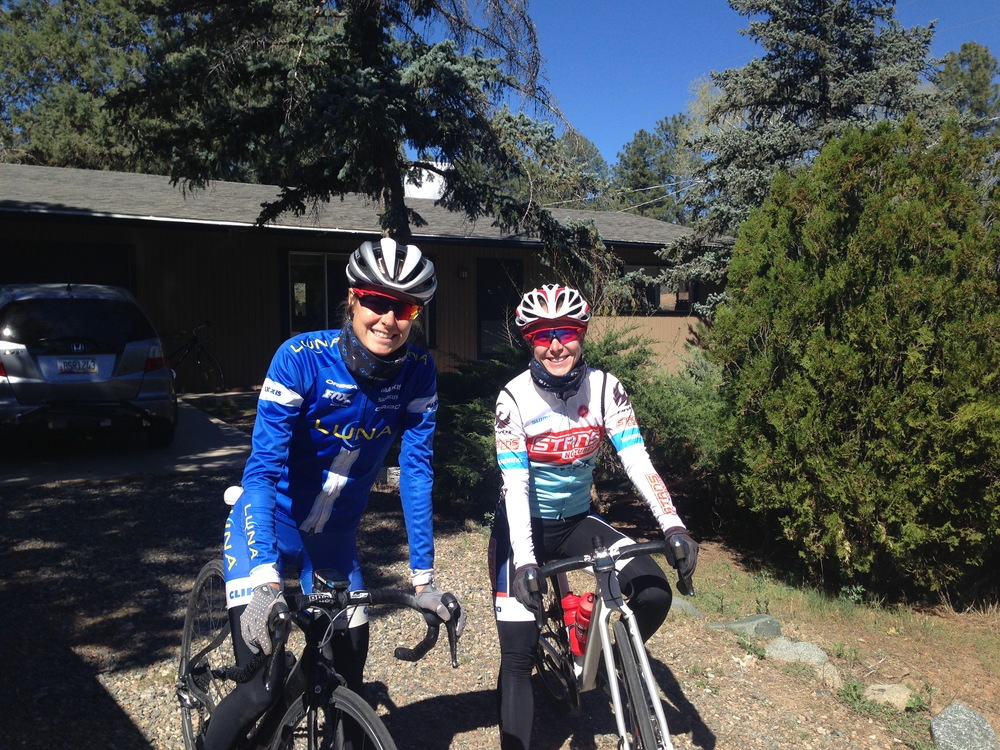 I got the opportunity to follow US National champ Chloe Woodruff on some hard intervals on the road - it was awesome! She also showed me around some of her local trails. Thanks for the tour Chloe :)