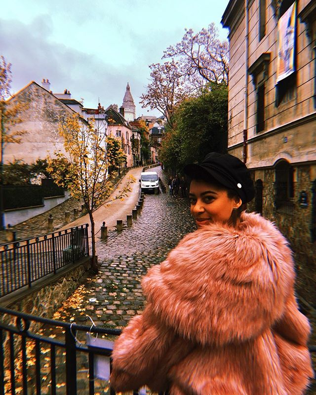 Story bout a girl named Marshmallow 💗 ps. Paris has been horrible so far 🤢