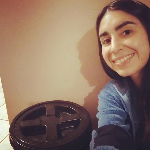 Happy Sunday, composters!  Here's one of our customers with a Scraps on Scraps bucket ! Thanks for spreading the word @that_veggielife_ ✨
