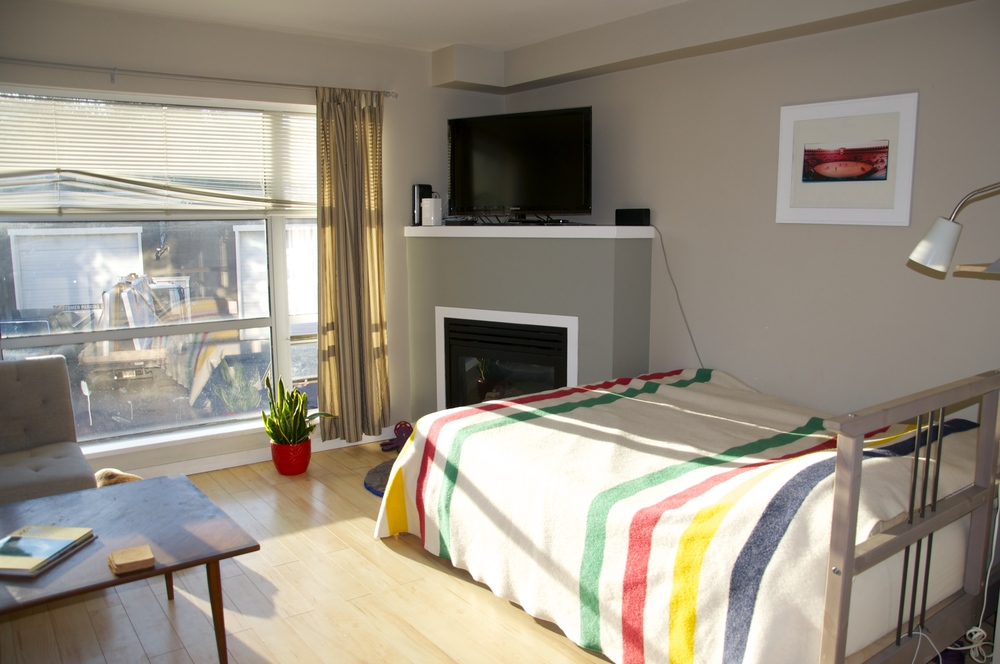 smallswell-small-space-living-hudson-bay-blanket