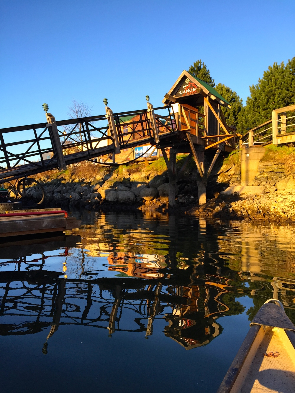 smallswell-victoria-canoe-dock