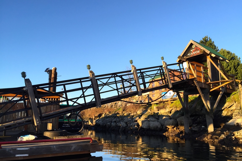 smallswell-canoe-brewpub-victoria