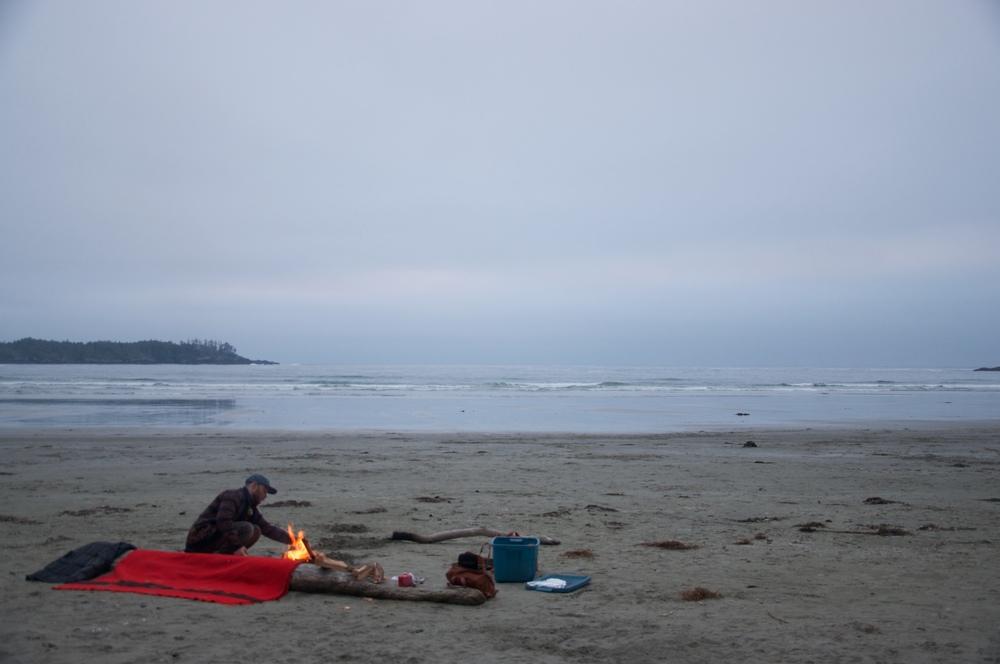 smallswell-tofino-beach-fire