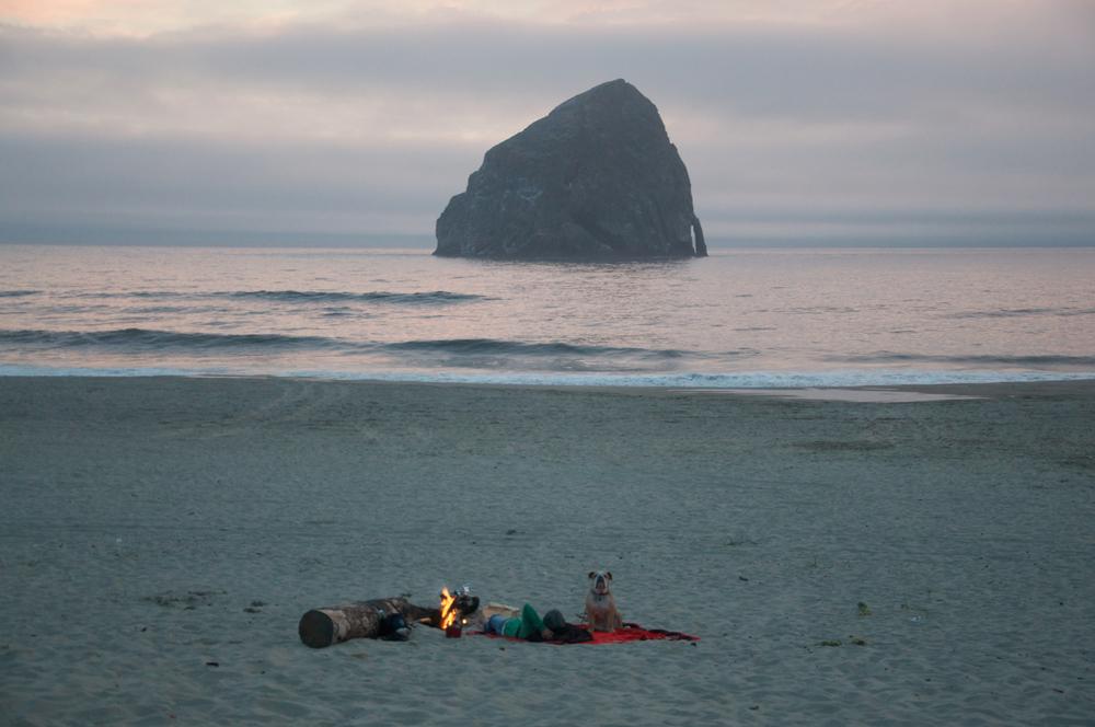 smallswell-cape-kiwanda-beach-fire