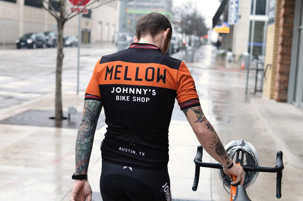 jersey-mj-cintura-orange-model-3.jpg