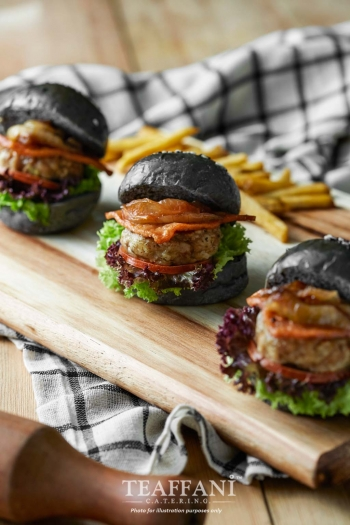 Mini-Charcoal-Burger_1.jpg-nggid0244-ngg0dyn-350x0-00f0w010c010r110f110r010t010.jpg