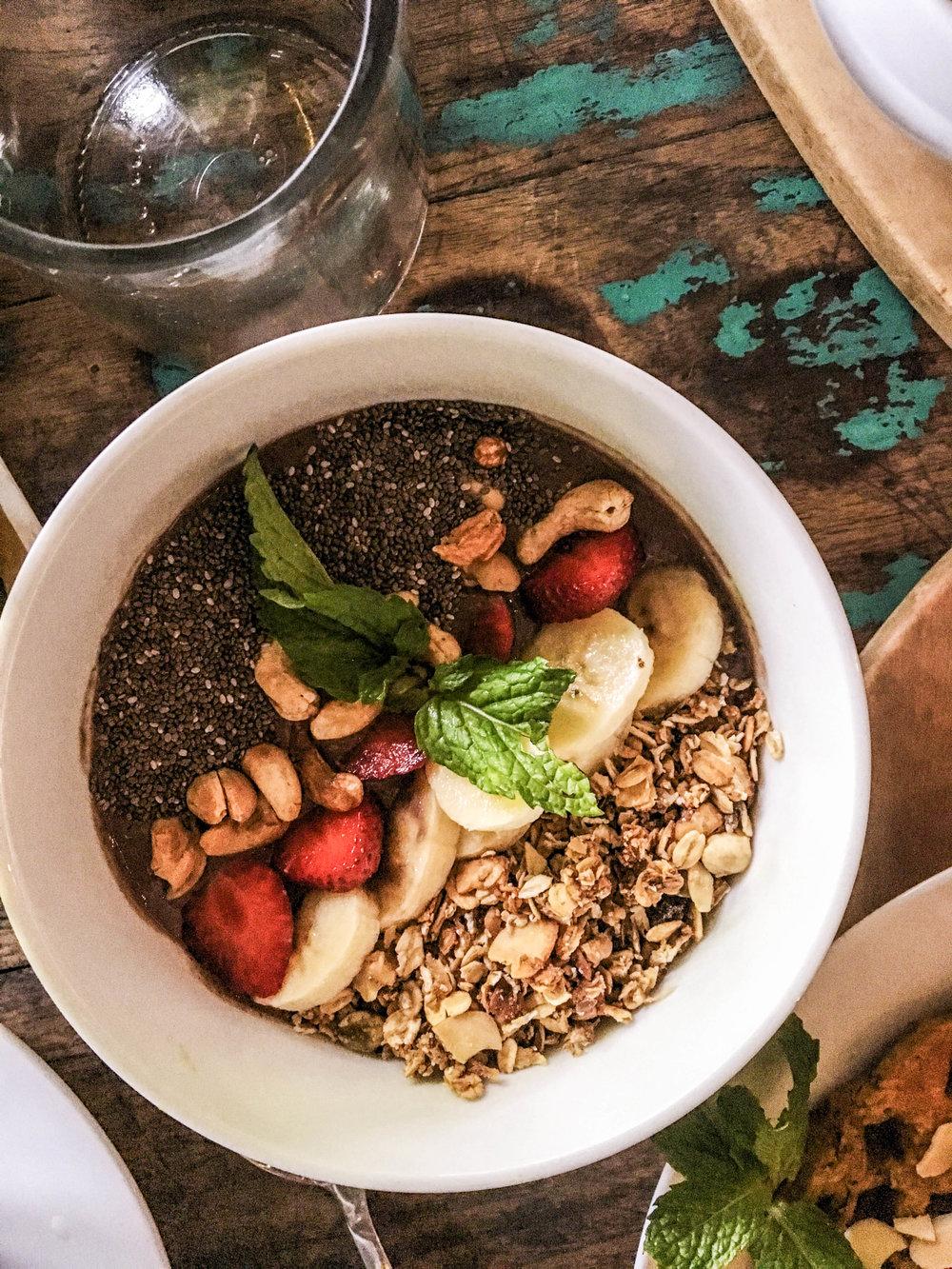 bali avocado cafe