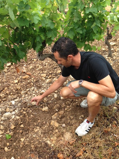 Winemaker Sebastian Vincenti talking about the unique soil type at Fondreche.