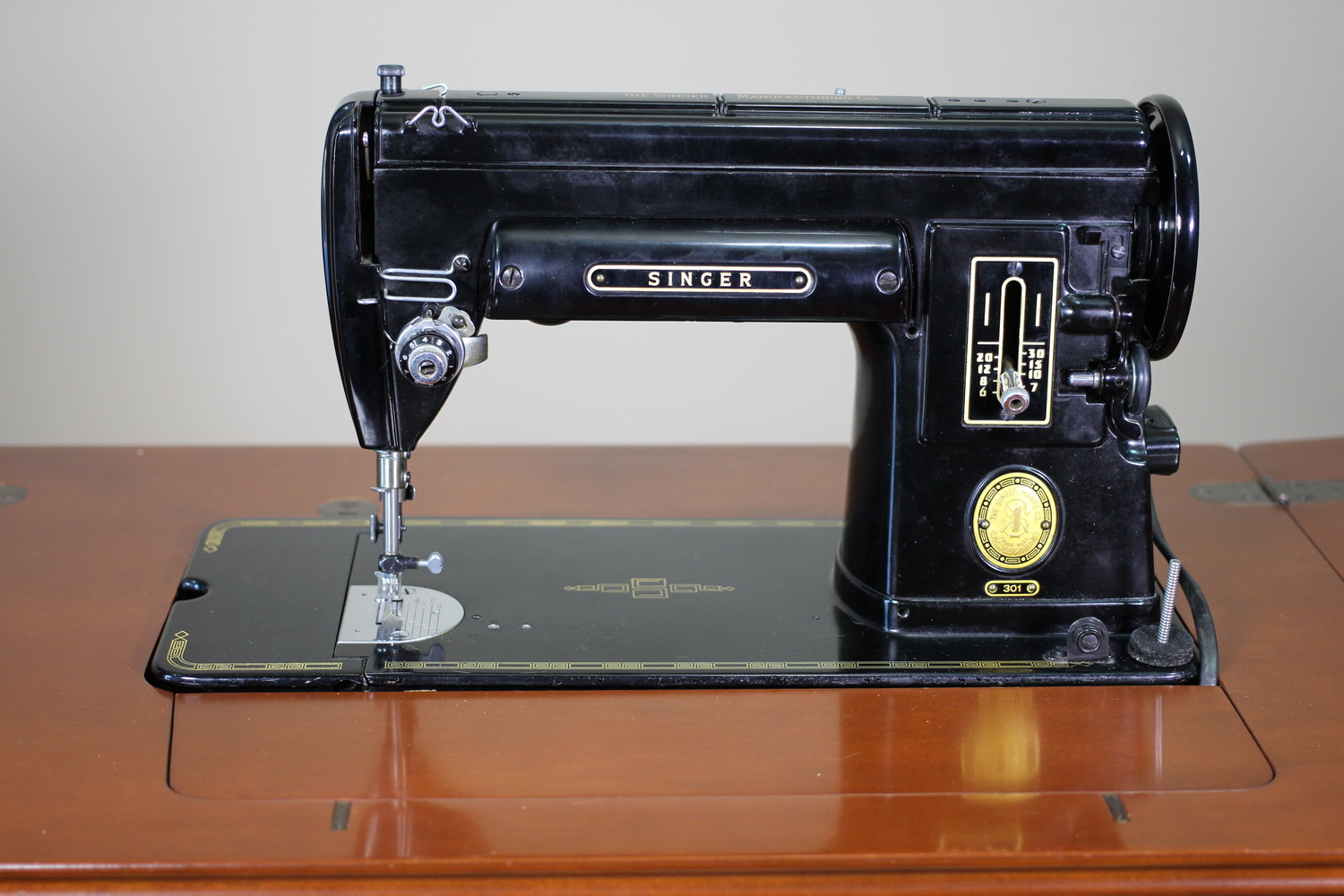 EBay Is Not The Place To Buy A Vintage Sewing Machine — Chatterbox Quilts - EBay Is Not The Place To Buy A Vintage Sewing Machine — Chatterbox