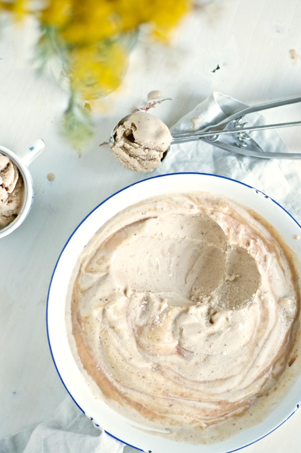 Earl Grey Roast Peach Ice Cream (Vegan) - Kitchen Hoopla