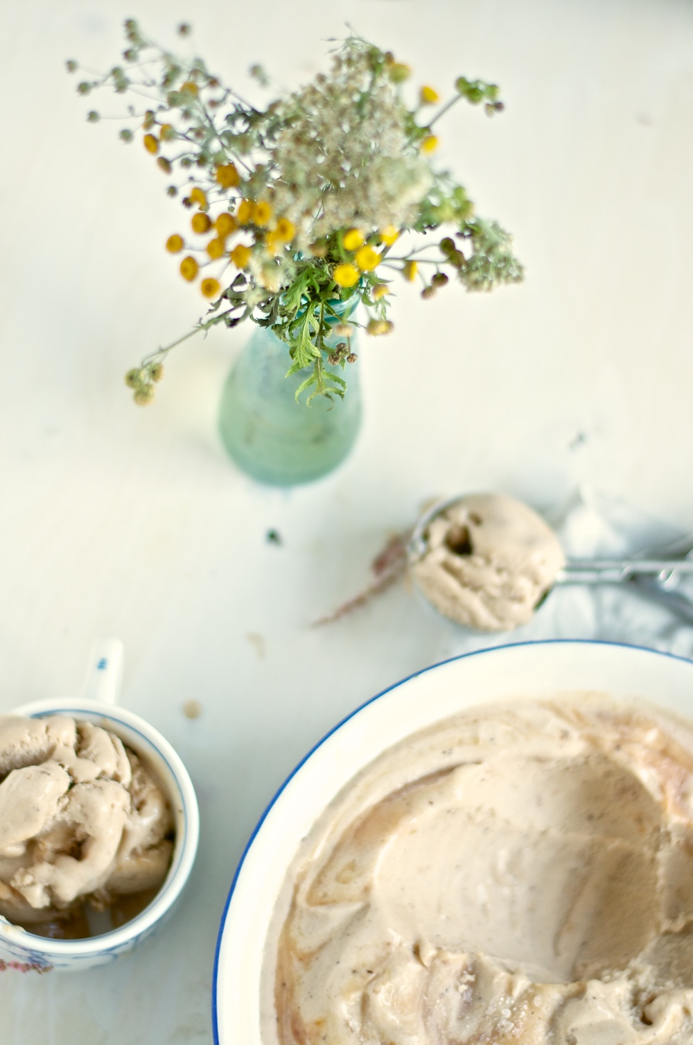 Earl Grey & Roast Peach Ice Cream - Kitchen Hoopla