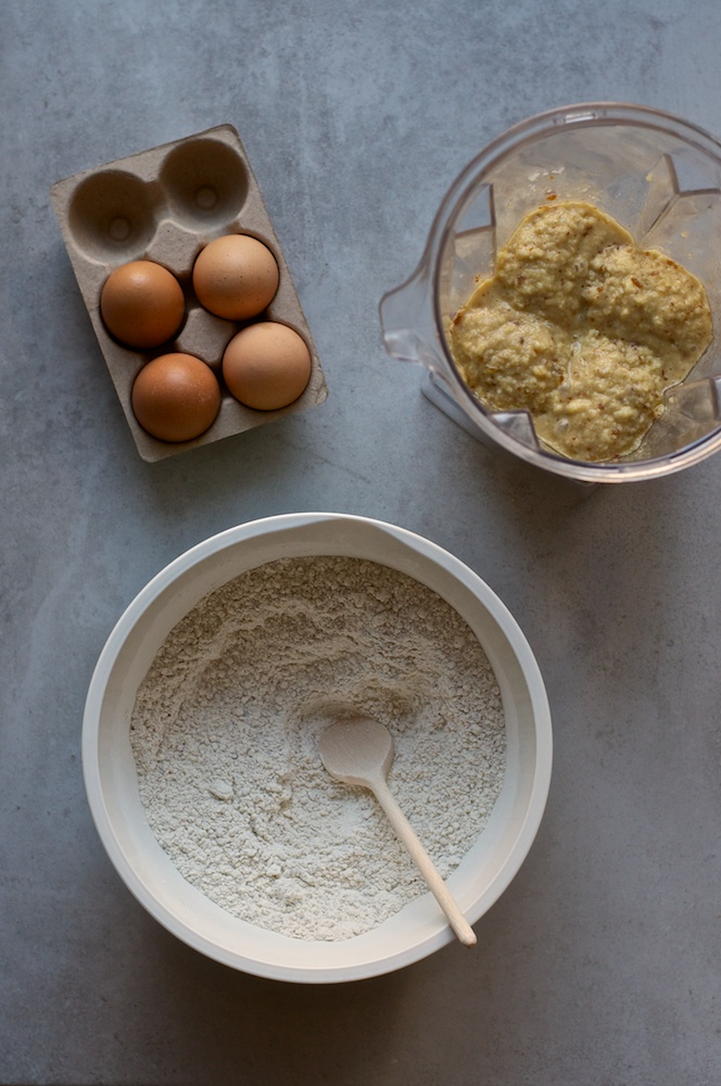 Apple Hazelnut Cake - Kitchen Hoopla