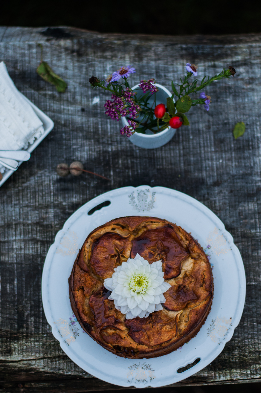 spelt apple cake with caramelised cinnamon apples - Kitchen Hoopla