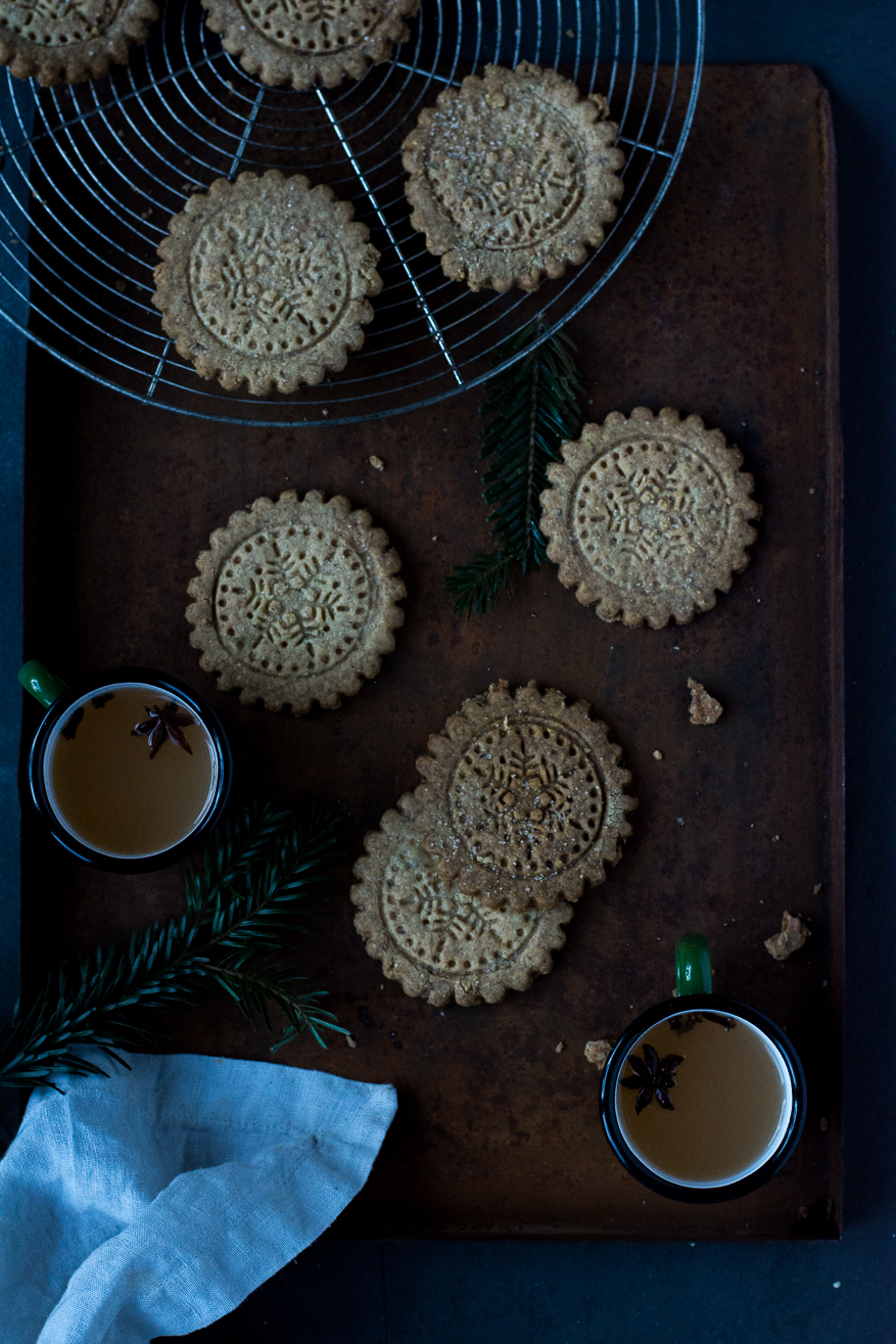 anise and fennelseed cookies - kitchen hoopla
