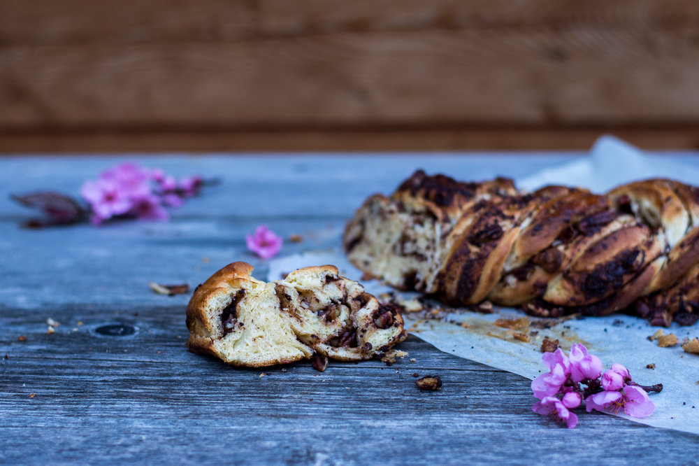 pecan chocolate babka - kitchen hoopla
