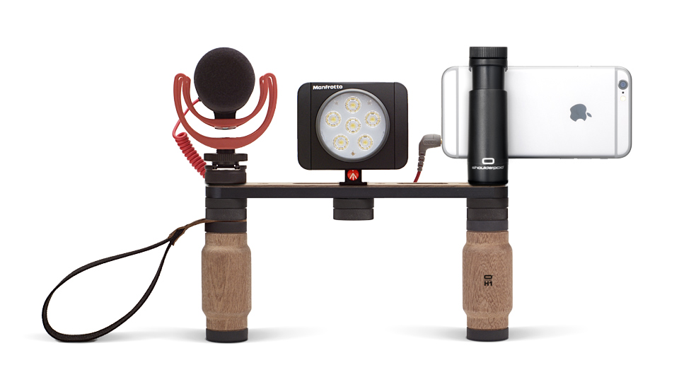 Shoulderpod X1 monteret med en Manfrotto Lumie Art lampe