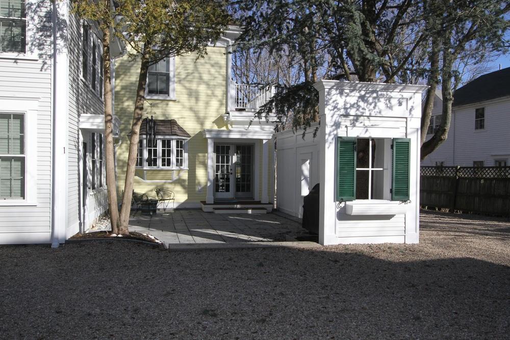 Keyes Courtyard 4761.JPG