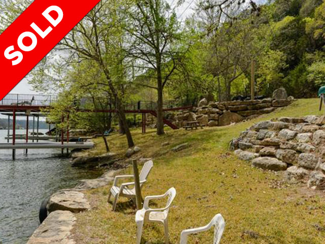 Waterfront lot on Lake Austin