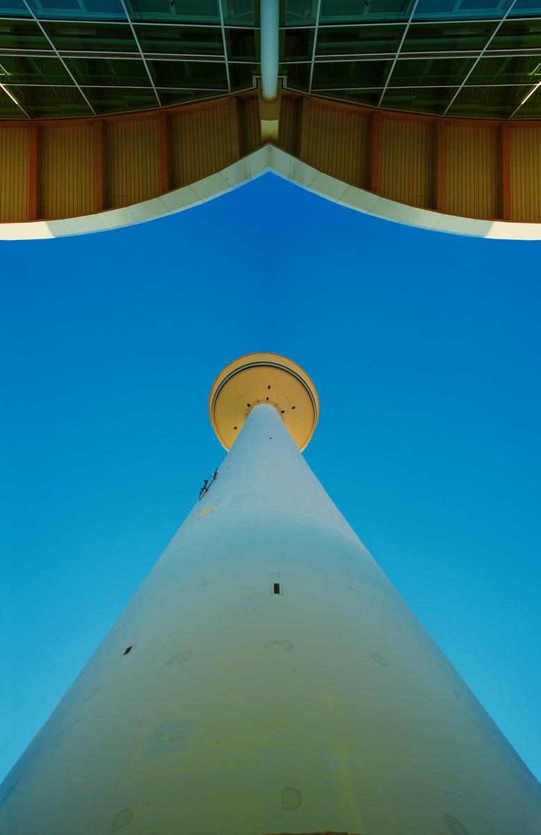 30x40--201104--Messeturm-HH-7460-sh-sRGB.jpg