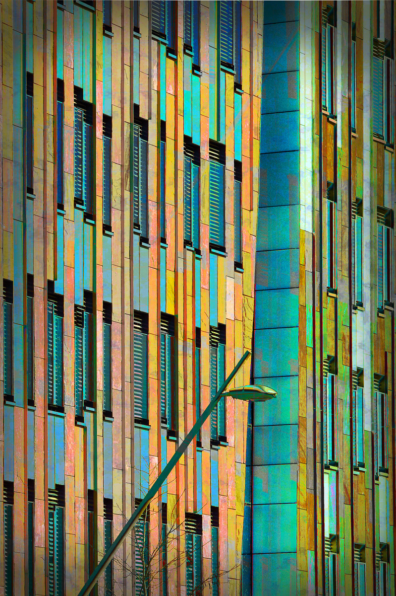 30x40  201203  HafenCity structure with lamp 0463 rz sh.jpg