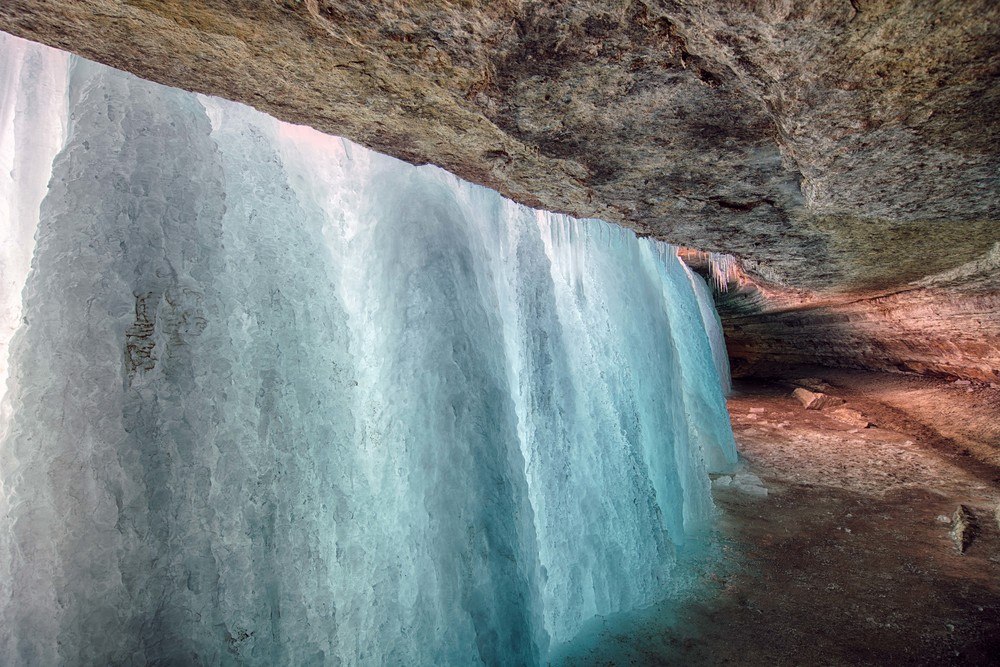 Wall_of_Ice_2_HDR.jpg