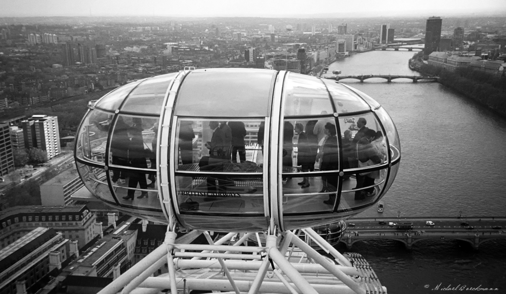 London Eye bw.jpg