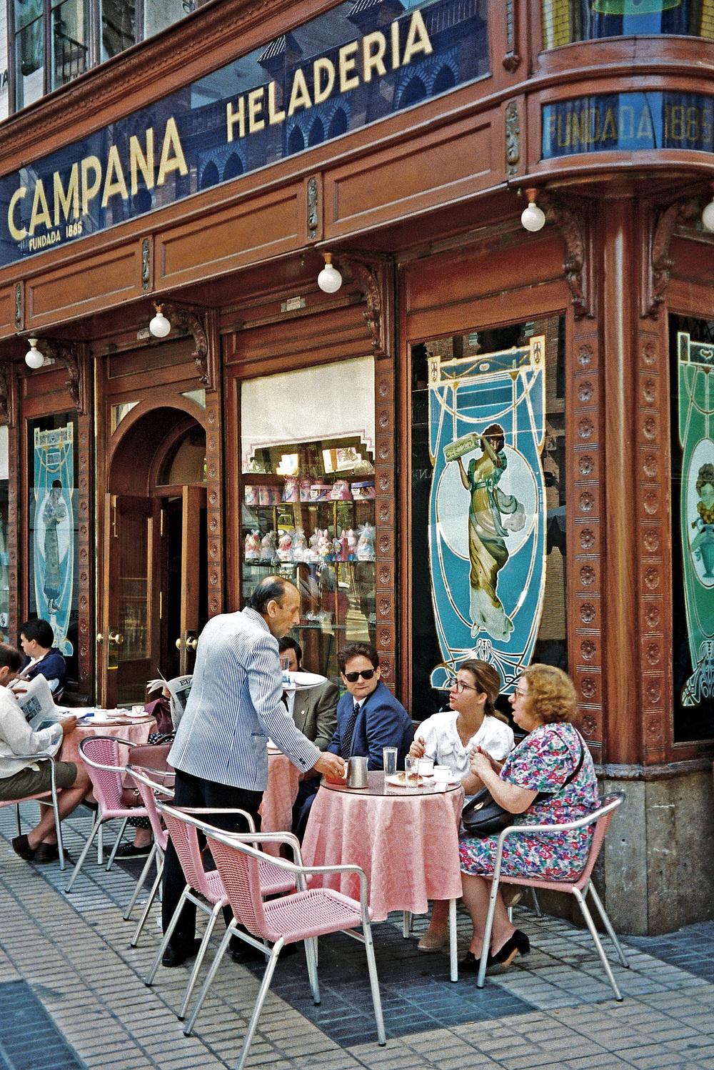 SEVILLE CAFE 03.jpg