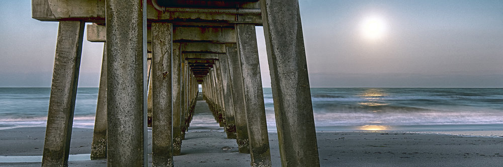 Naples Pier Moonset_7222.jpg