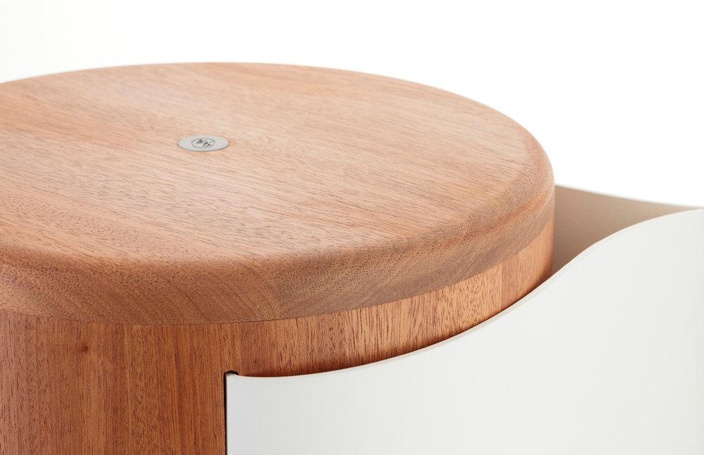 Stool_Wood_Leather_Design_16.jpg