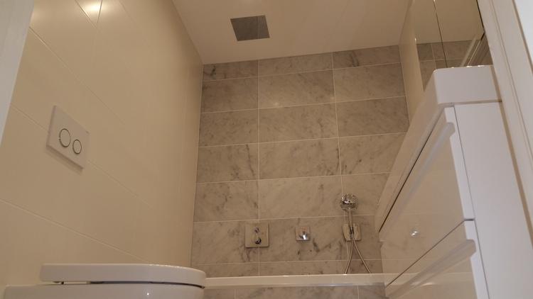 marmor kakel badrum.jpg