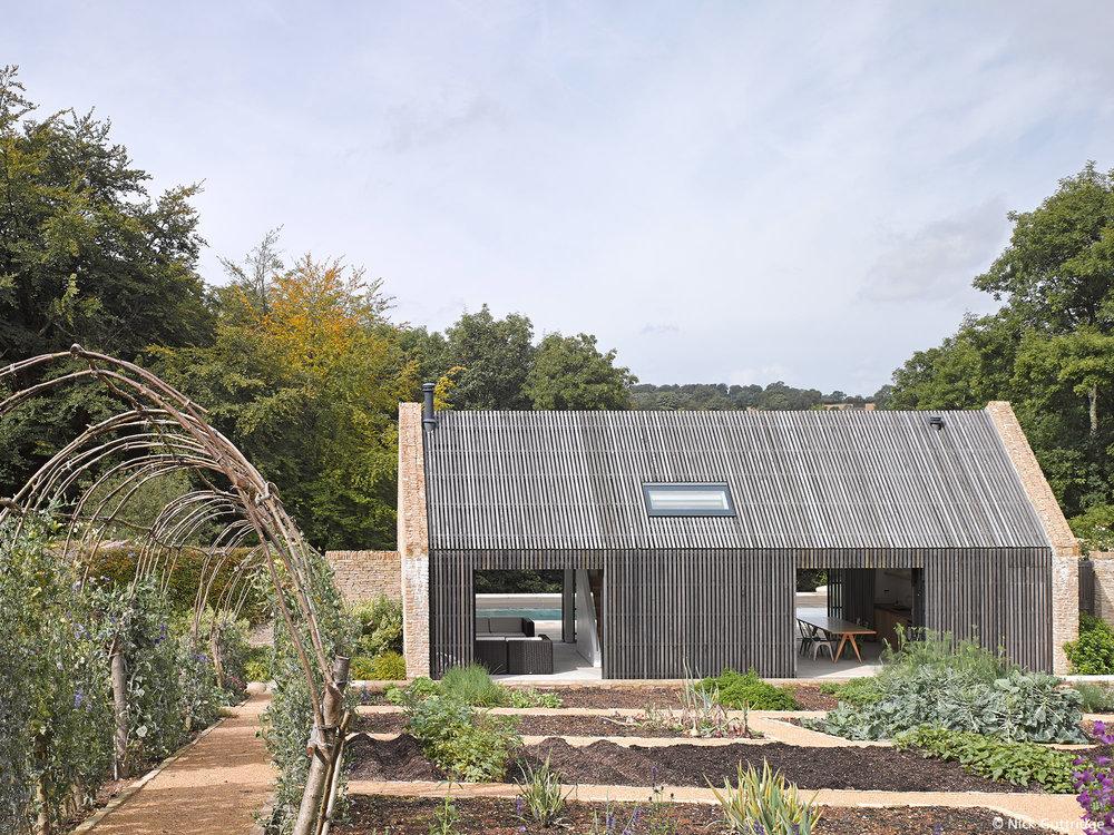 Duntisbourne_House_N606.jpg