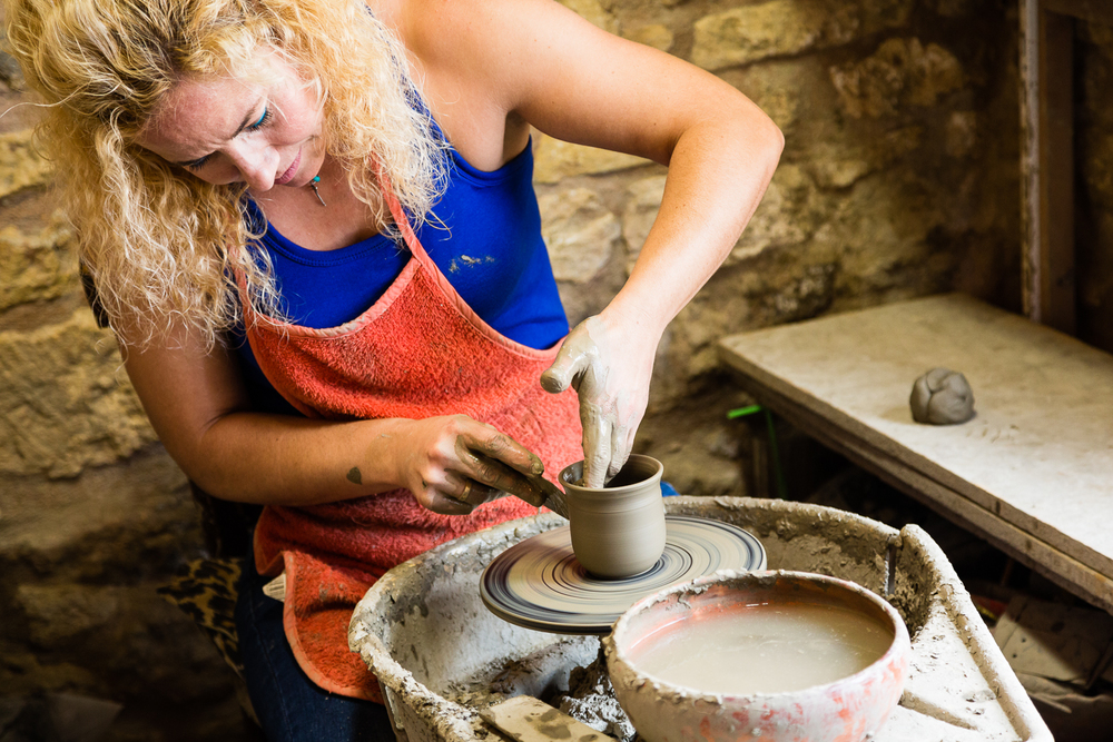 adventure-travel-photography-becky-brockie-greece-pottery-artist.jpg