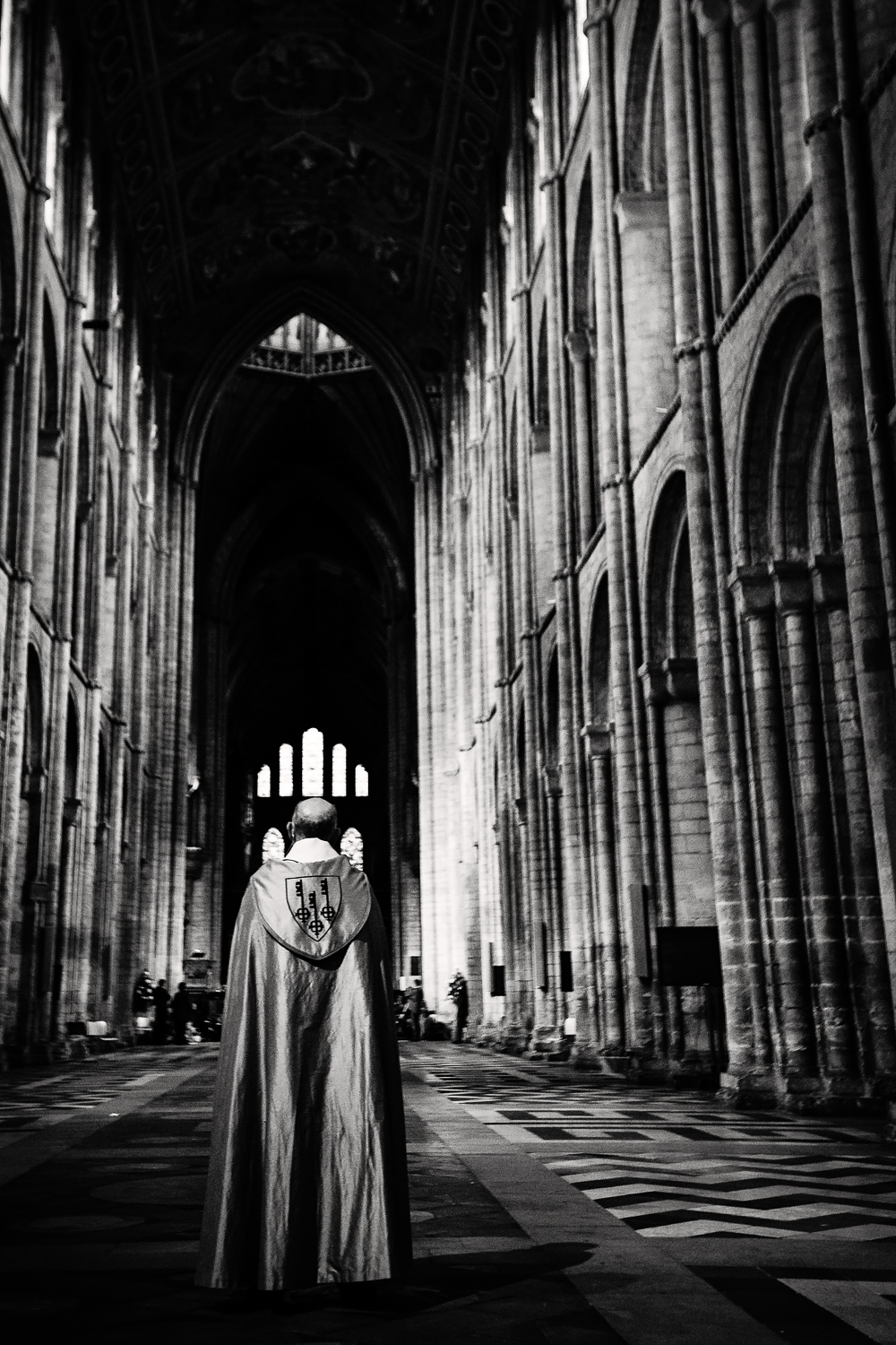adventure-travel-photography-becky-brockie-cambridgeshire-ely-cathedral-priest.jpg