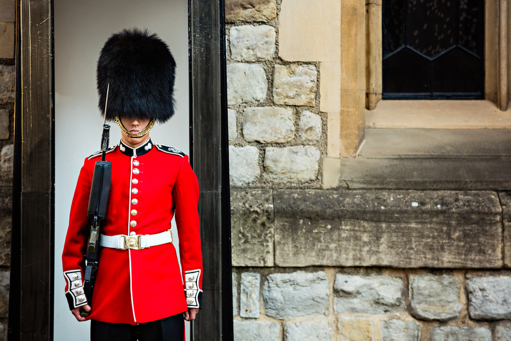 adventure-travel-photography-becky-brockie-england-london-guard.jpg