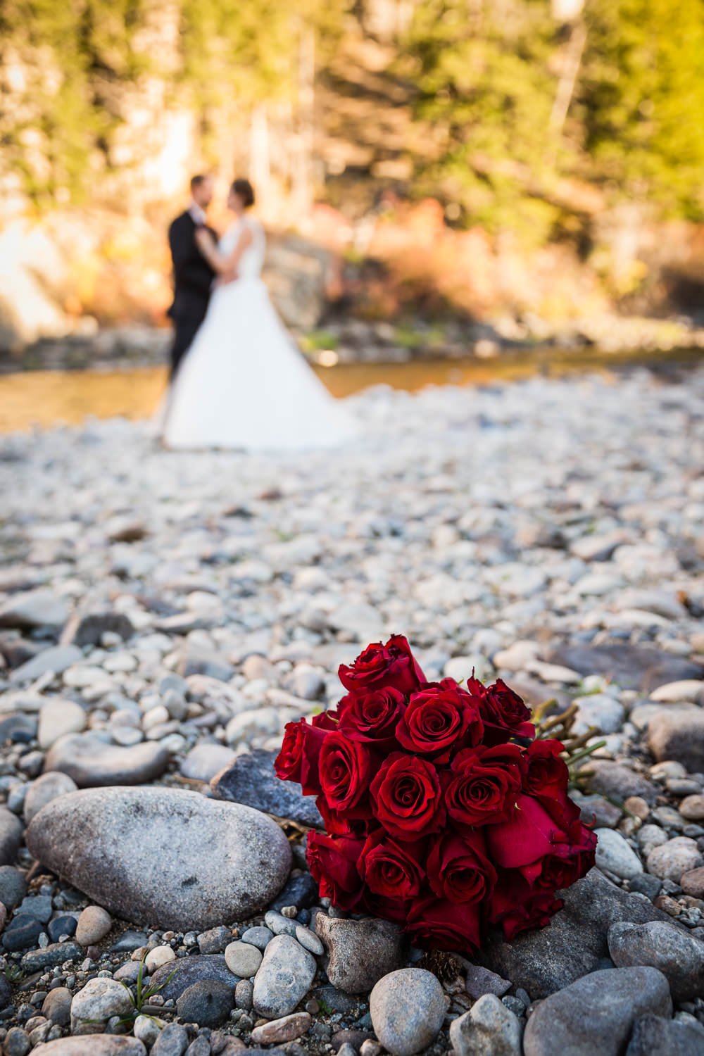 absaroka-beartooth-wilderness-montana-wedding-reception-bouquet.jpg