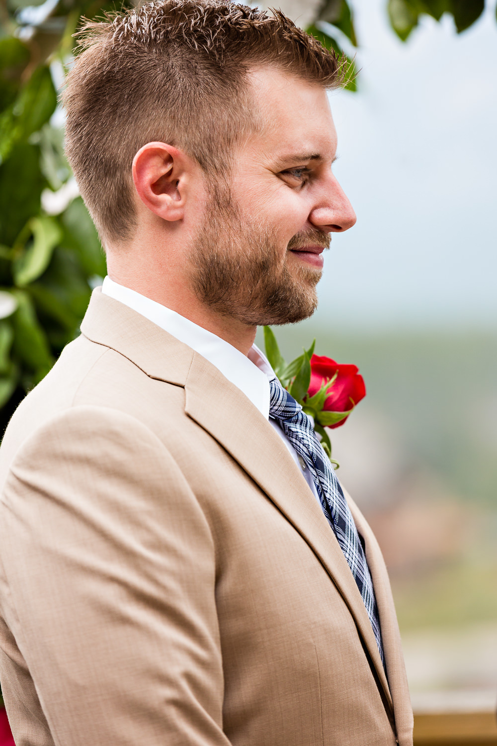 big-sky-wedding-becky-brockie-photography-ceremony-groom-richard.jpg