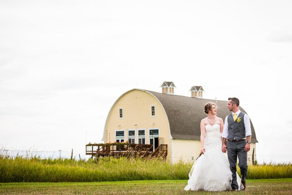 bozeman-wedding-big-yellow-barn-couple-formals-big-yellow-barn.jpg