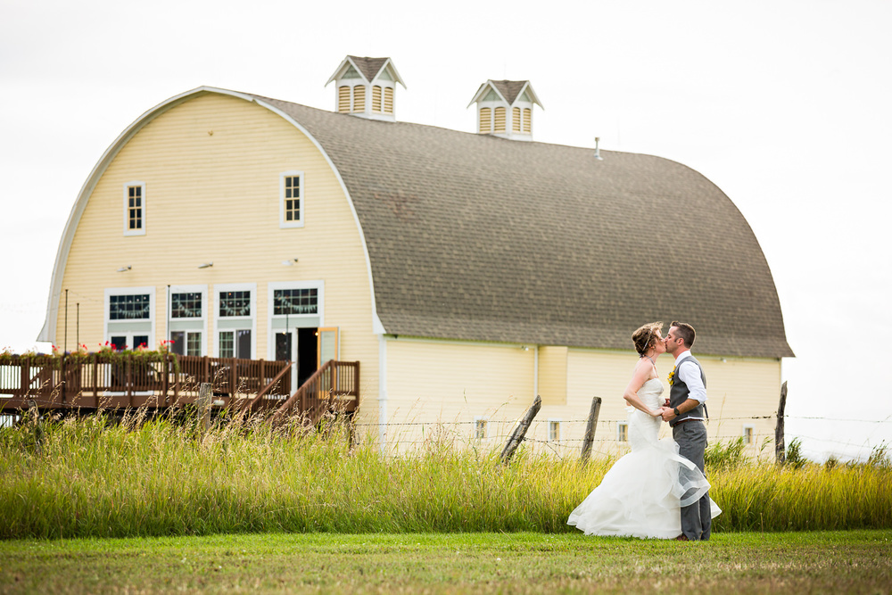 bozeman-wedding-big-yellow-barn-couple-formals-yellow-barn.jpg