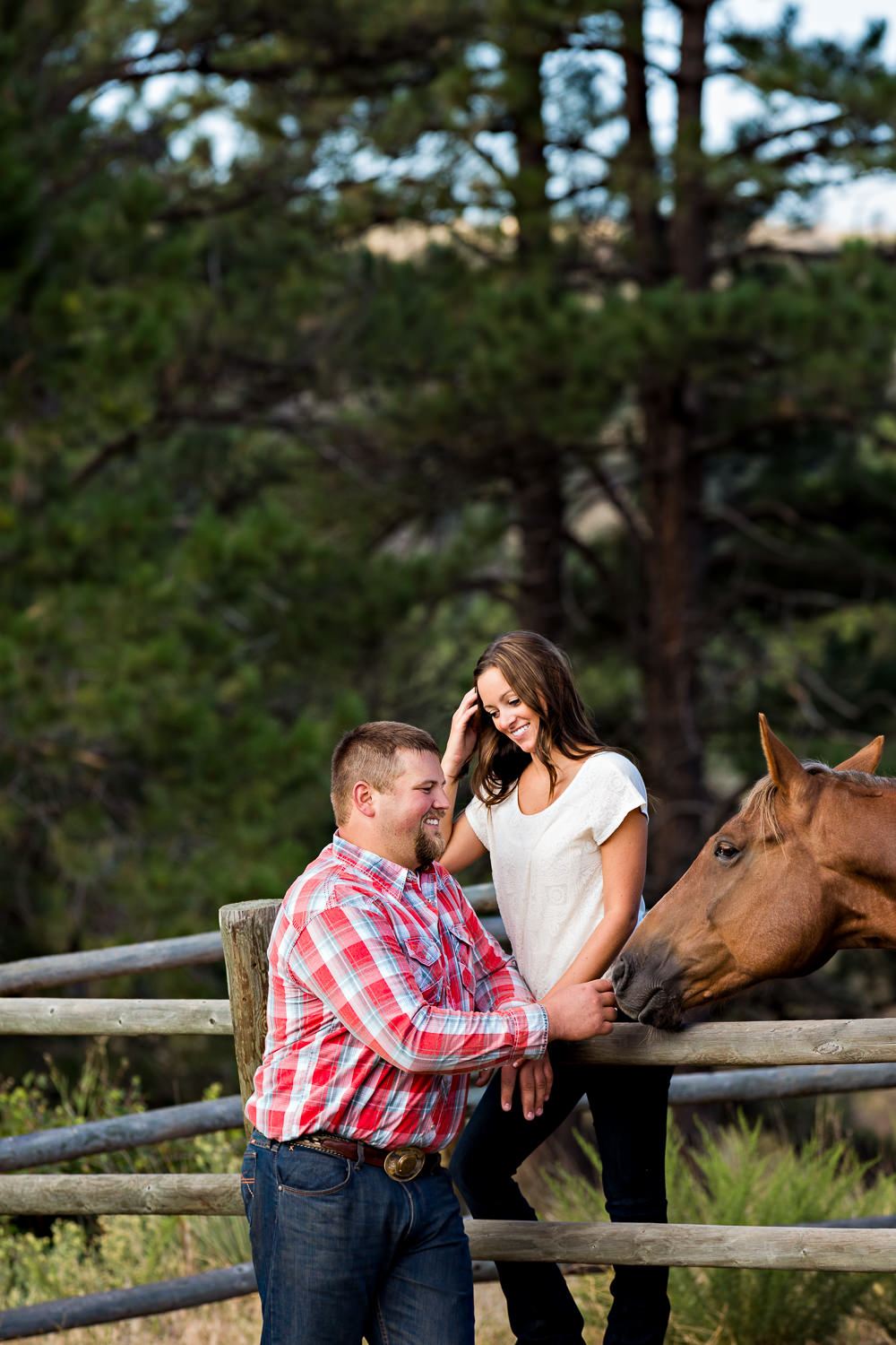 billings-montana-engagement-session-couple-pet-horse.jpg