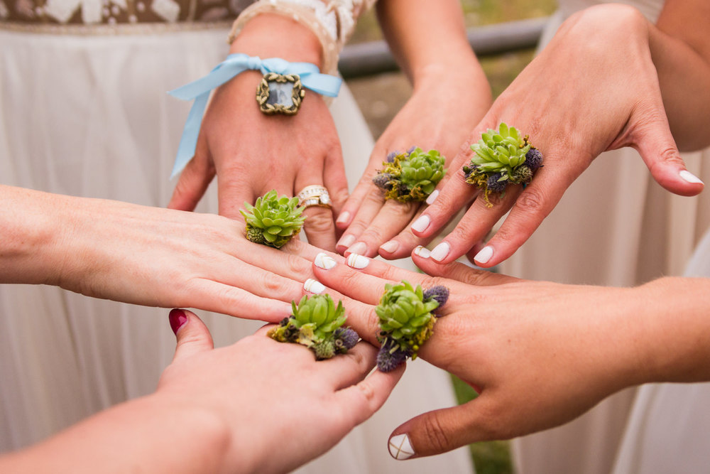 bozeman-hart-ranch-wedding-bridesmaid-floral-rings.jpg
