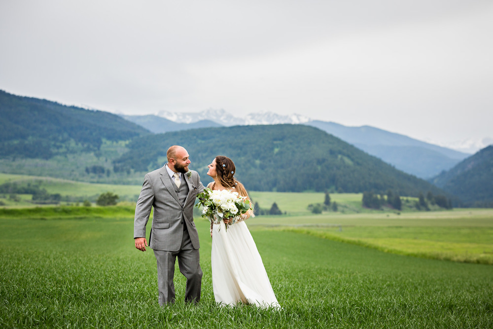 bozeman-hart-ranch-wedding-bride-groom-in-the-mountains.jpg