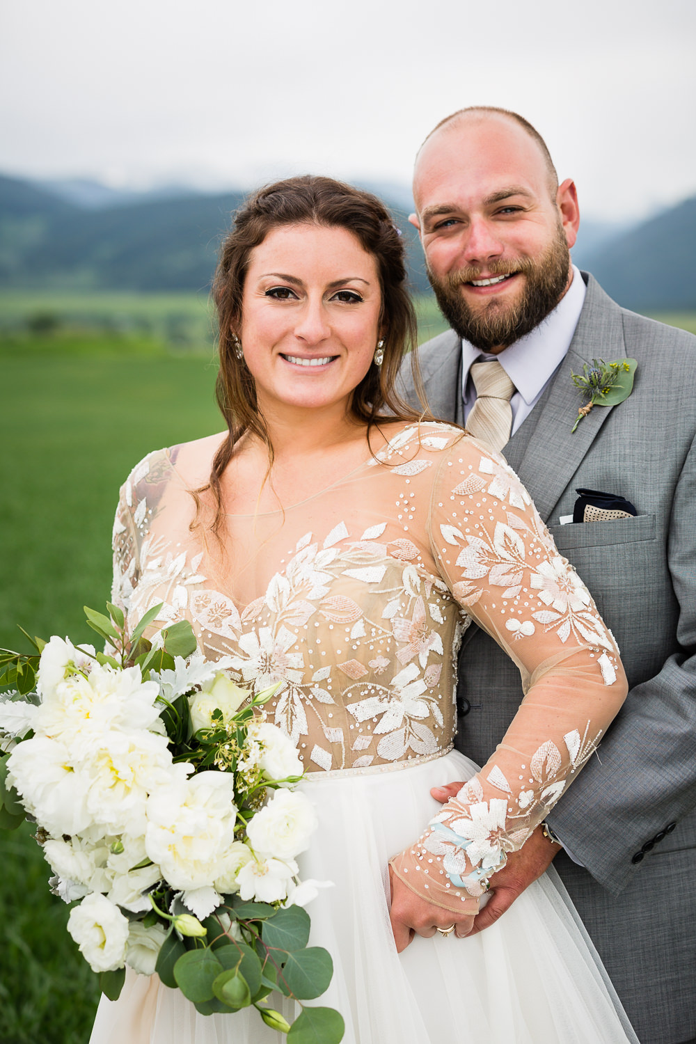 bozeman-hart-ranch-wedding-bride-groom-traditional-image.jpg