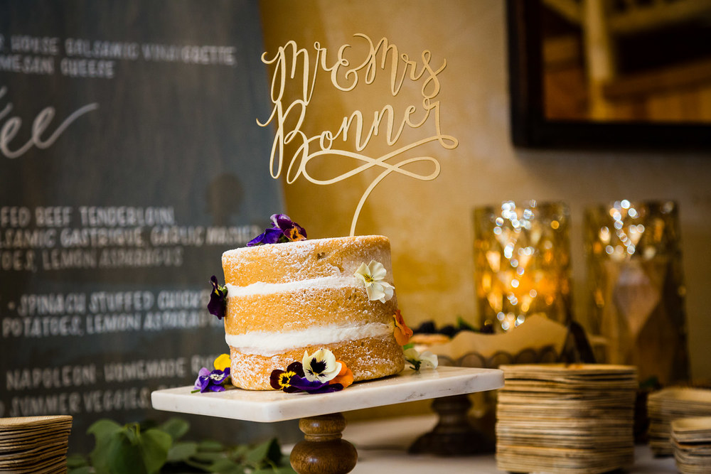 bozeman-hart-ranch-wedding-cake.jpg