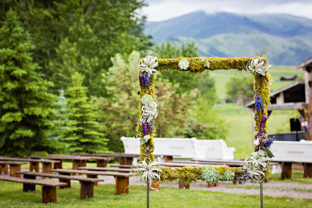 bozeman-hart-ranch-wedding-floral-photo-frame.jpg