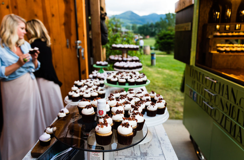 bozeman-hart-ranch-wedding-luxe-cupcake-truck.jpg