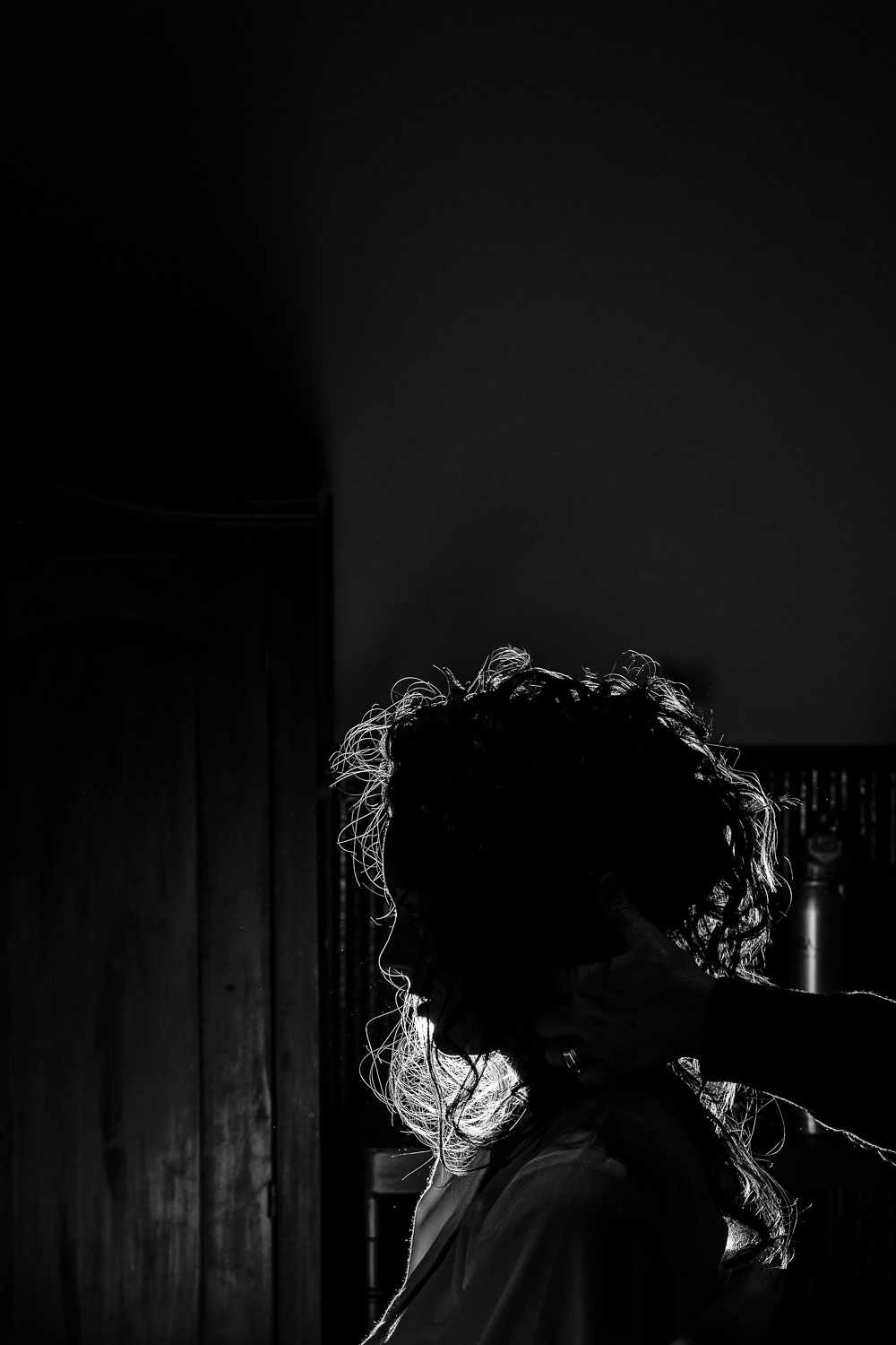 billings-montana-swift-river-ranch-wedding-bride-silhouette.jpg
